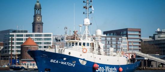 """Taufe der """"Sea Watch 2"""": Privates Engagement gegen das Sterben im Mittelmeer"""