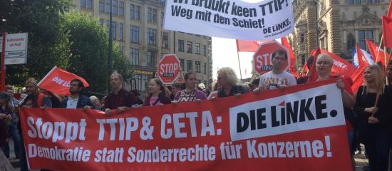 """Großdemonstration in Hamburg – Zehntausende fordern: """"Weg mit TTIP und CETA!"""""""