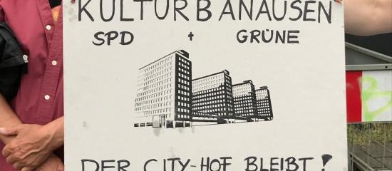 City-Hof: Das muss doch kaputtgehen!